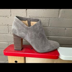 Splendid Gray suede ankle boots 9.5